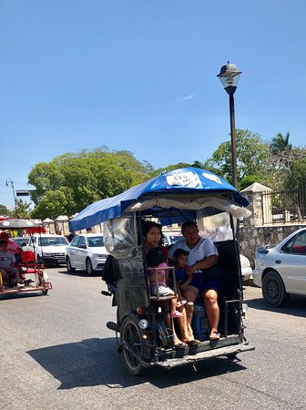 Uman, Meksyk: Mercado de alimentos muy sucio