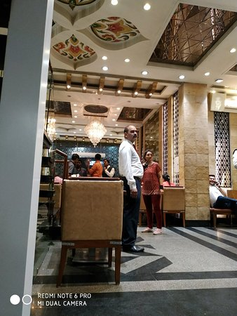 Darbar Restaurant: Its a awesome restaurant for every thing