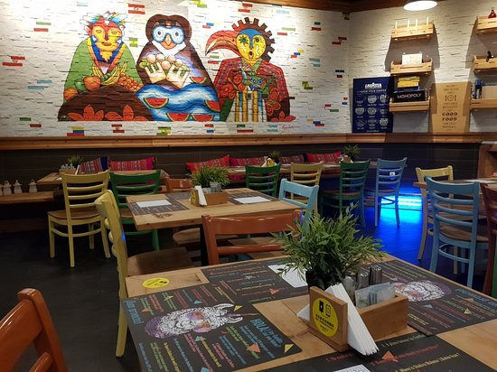Awesome interiors, food and music!