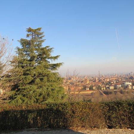 Complesso Monumentale San Michele In Bosco: Vista dal piazzale