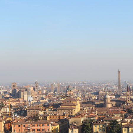 Complesso Monumentale San Michele In Bosco: La città vista dal Colle