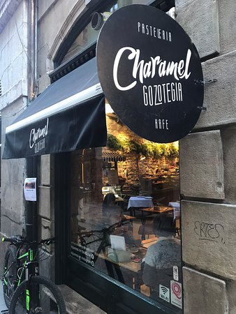 My favorite bakery in Bilbao's Old Town Casco Viejo. Organic Coffee, delicious tea infusions and homemade pastries with recipes from all over the world. From Baklava to Belem Pastels. Expect a crowded place. Many people order for take away.