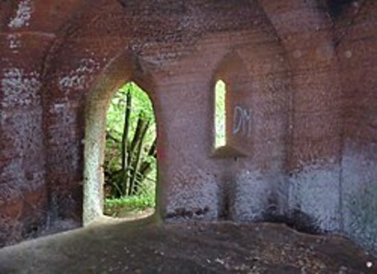 Auchinleck, UK: Wallaces cave