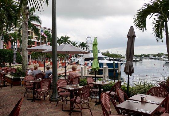 outdoor seating at Cafe Des Artistes  in Jupiter, Florida...