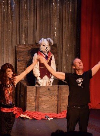 Santa Monica, Kalifornien: The Trunk Escape ...with surprise guest!