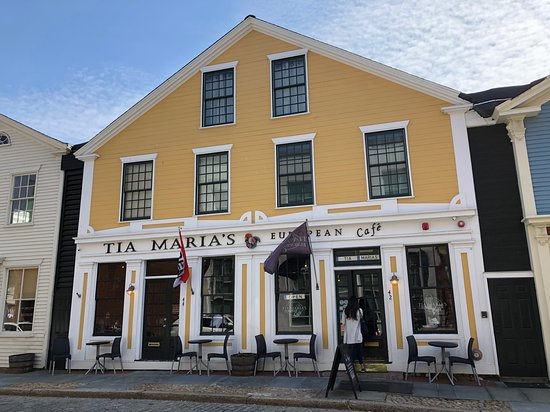 Tia Maria's European Cafe: Tia Maria's is on a small downtown street in beautiful and historic New Bedford.