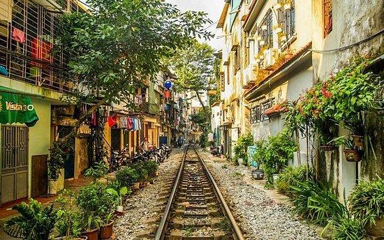 Hanoi Traditional Village Cycling Tour - Bat Trang Pottery Village