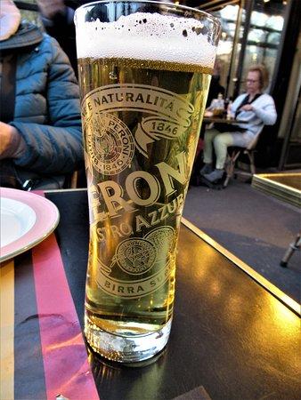 Trattoria Silvano: Bière Péroni