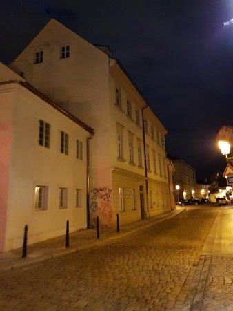 Συνοικία Μάλα Στράνα: Beautiful at night