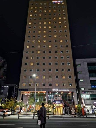 Great location & nice hotel