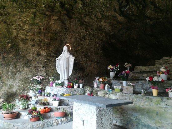 Grotta Della Beaume