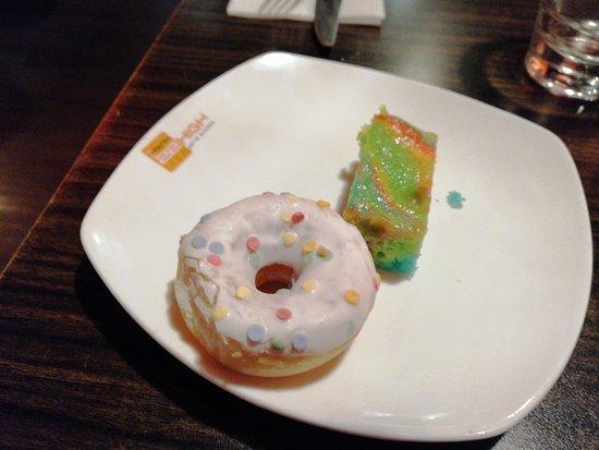 22HIGH Wereldrestaurant: Donut en cake