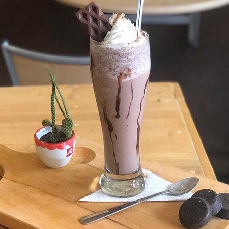 Frozzen Capuccino, Micaccino, o Chocolate ... Una delicia en tu boca que refresca tu sed ...
