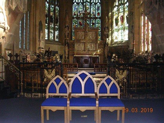 St Giles Parish Church: The Chancel inside St. Giles Church (Wrexham)