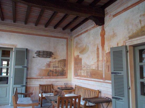 Villa Bottini - La Limonaia : Scorcio del portico