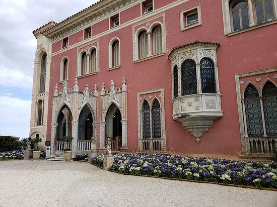 Villa entrance showing architectural detail