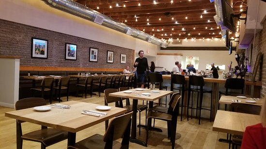 Two 09 West Main: Great interior, brightly lit, comfortable seating
