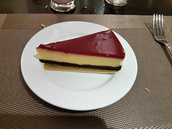 Signature Fine Dining and The Garden Bistro: Cheesecake der nicht nach Cheesecake geschmeckt hat
