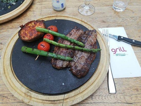Newyork steak çok pişmiş olsun diyince, ikiye bölmüşler