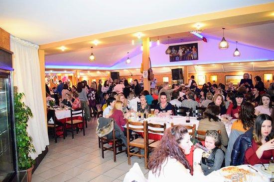 Bar Restorant Piceri Serenata Korcare: Hall 2