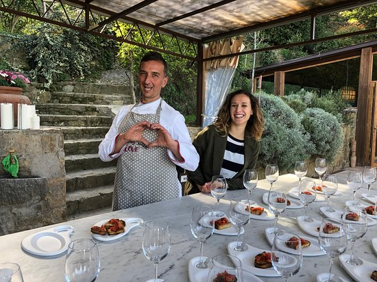 Pizza and Gelato Cooking Class in Tuscan Farmhouse from Florence: Luca and Lavinia our awesome hosts