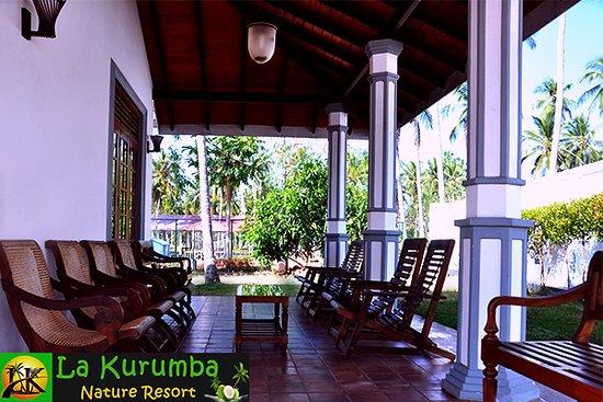 Kuliyapitiya, ศรีลังกา: Out side of the Bungalow