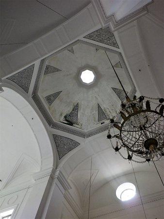 La cupola che insiste sul transetto.
