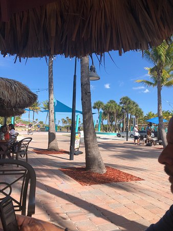 Best place for food, drinks and a relaxing ambiance. Steps away from Riviera Beach