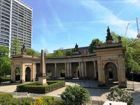 Marion-Gräfin-Dönhoff-Platz