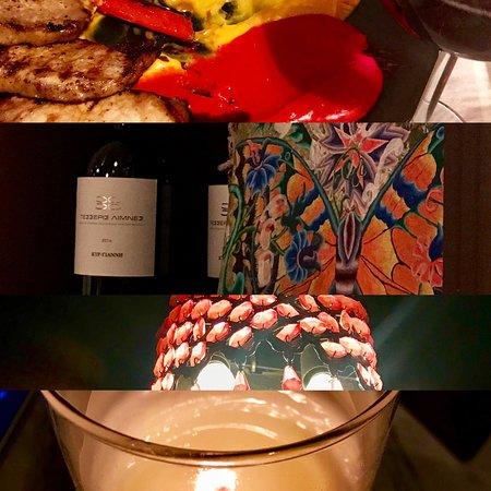 Ωραια διακοσμηση, χρωματιστα νοστιμα πιατα και διακριτικη καλα προσσγμενη μουσικη