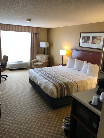 Country Inn & Suites by Radisson, Schaumburg, IL: Nice size room