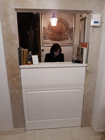 Front desk counter
