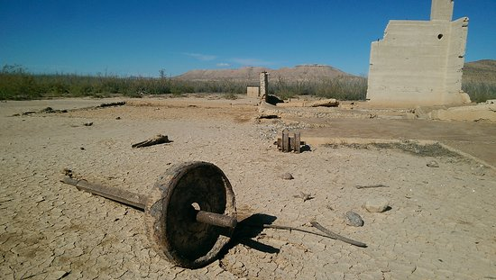 "Lake Mead National Recreation Area: St. Thomas ""Ghost Town"""