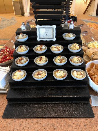 Royal Palm Club evening food offerings