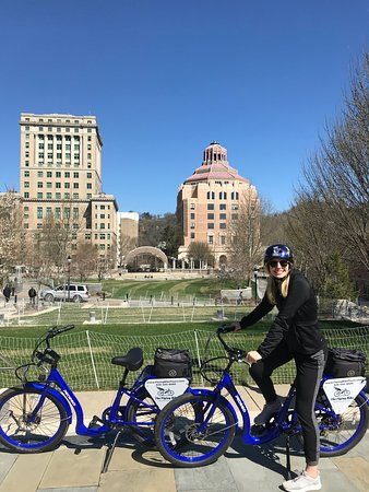 Asheville Historic Downtown Guided Electric Bike Tour with Scenic Views: Added bonus was snagging the cat helmet!