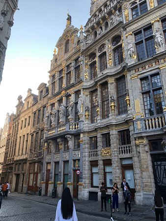 Town Hall (Hôtel de Ville): Magnificent cultural heritage evident these buildings