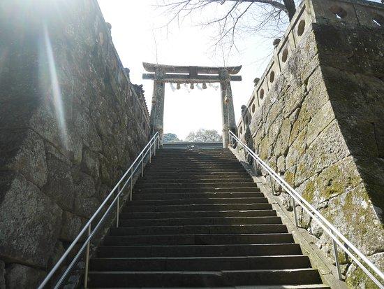 Takeo Shrine: 神社参道(下から)