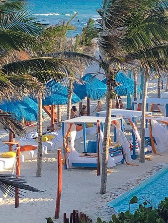 Grand Oasis Cancun: Beach front