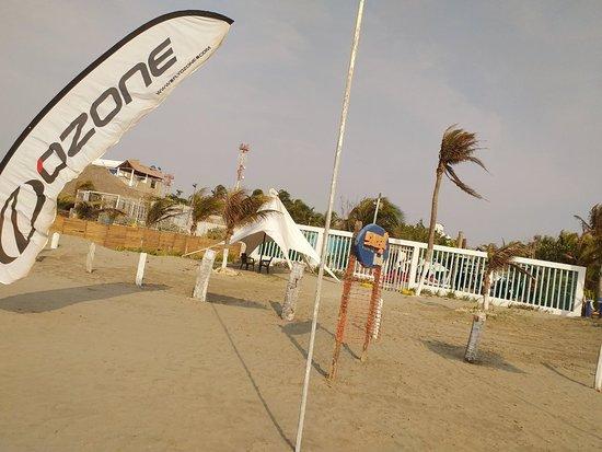 Ven y conoce nuestra nueva sede, playa de la boquilla SUNSET BEACH CARTAGENA KITESURF Aprovecha semana santa y aprende este maravilloso depo