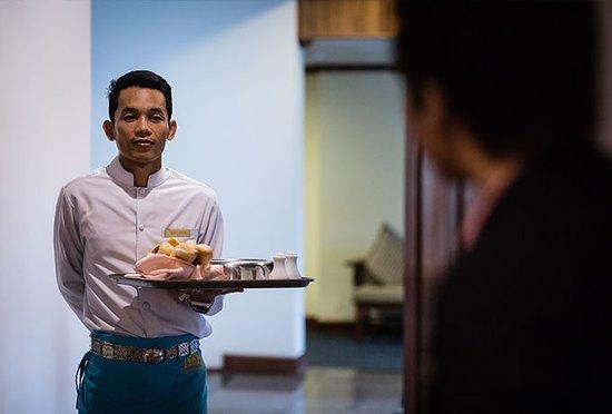 Empress Angkor Resort & Spa: Room Service