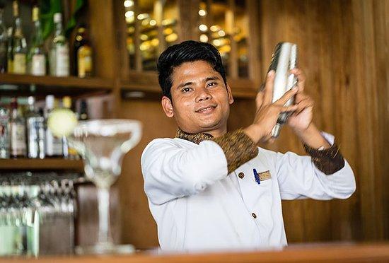 Empress Angkor Resort & Spa: Dynasty Bar