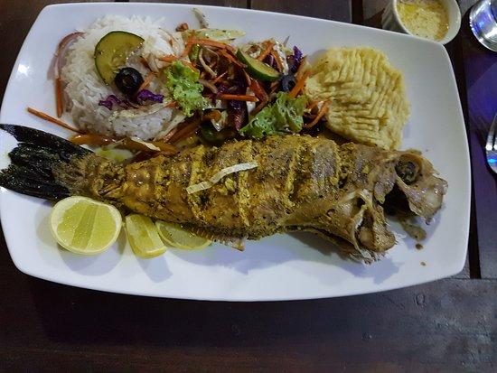 Priyamoon Cafe and SeaFood Restaurant: Barracuda