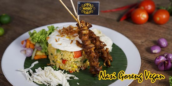 RENZO CAFE AND RESTO, Great place to start exploring the flavours  Pict. Fried Rice Vegetarian