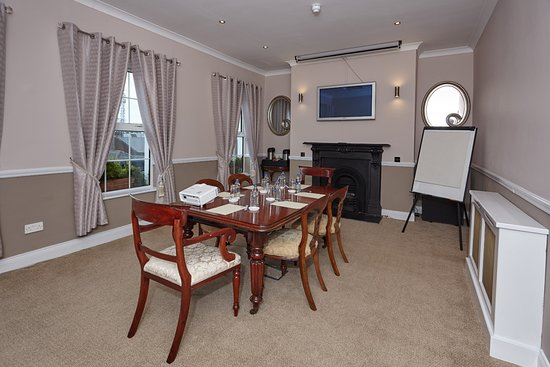 Uppercross House Hotel: Conference Room
