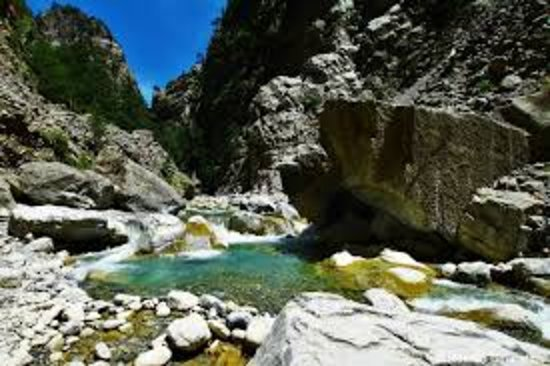 Kolymbari, Griechenland: Samaria gorge express tour only 25 euros including experienced guide.