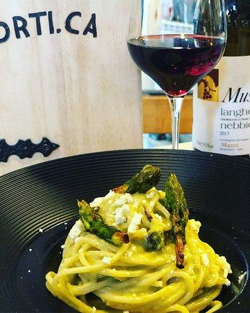 Orti. CA: Spaghetto con crema di Castel Magno ed asparagi .