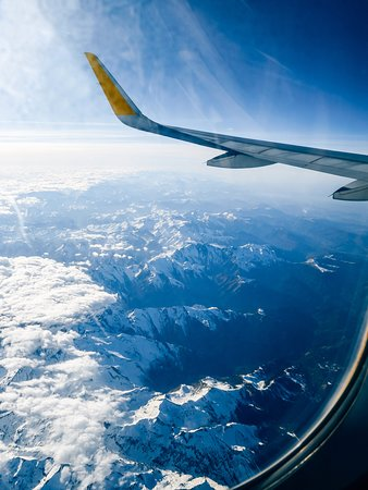 Hautes-Pyrenees, Francia: Voilà pourquoi il faut toujours choisir la place avec le hublot ❤