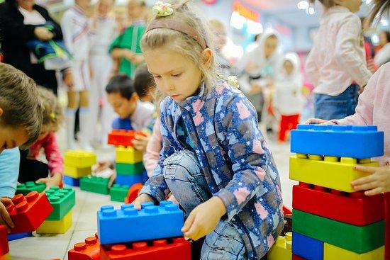 Galaktika ZAR: Даже самые маленькие наши гости научатся правильно собирать Lego