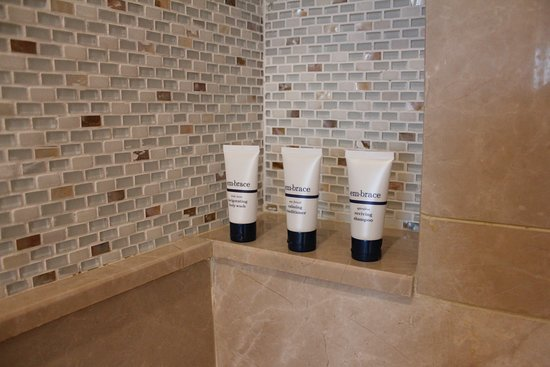 Toiletries in Deluxe Room bathroom