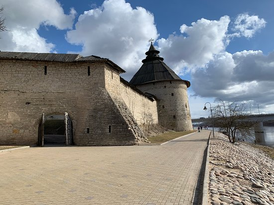 Pskov State Integrated Historical and Architectural and Art Museum Reserve: Покровская башня